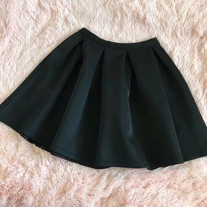 Lovers + Friends Black Pleated Mini Skirt